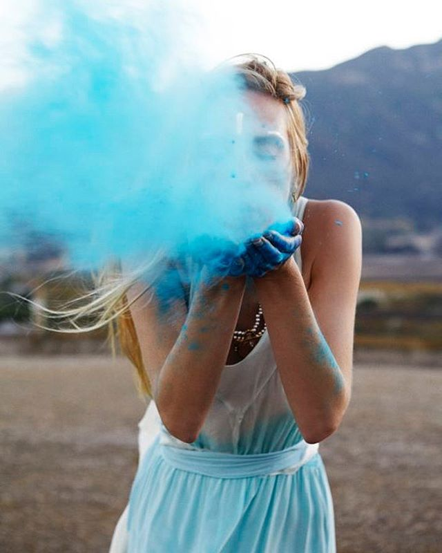 I'm not just blowing smoke - there is a very exciting announcement coming your way in the next few days! I have been pouring my heart and soul into a new project that I know you are going to love. Thanks for sticking with me - so much gratitude 💙 #design #style #fitmeetsquality #newnew #ethics