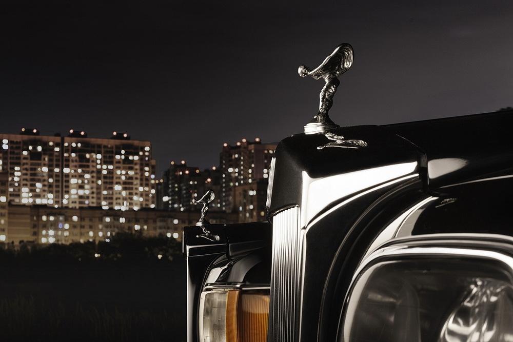 2013-Rolls-Royce-Phantom-Extended-Wheelbase-Emblem-Logo (1).jpg