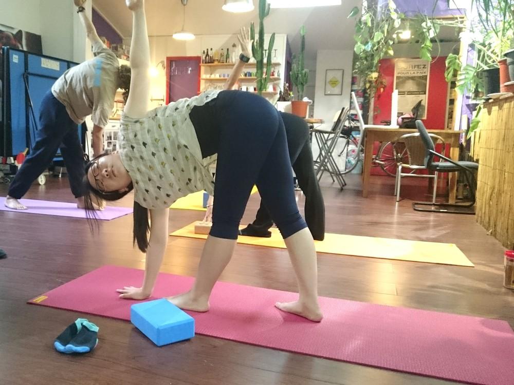 Cours de yoga en entreprise chez Gymglish.