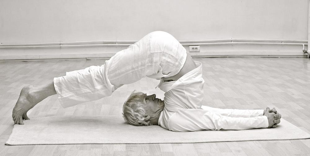 halasana-posture yoga-cachemire.JPG