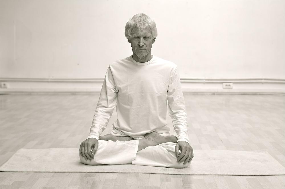 padmasana-posture-yoga.jpg