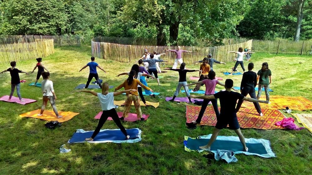 cours-gratuit-yoga-ete-paris.jpg