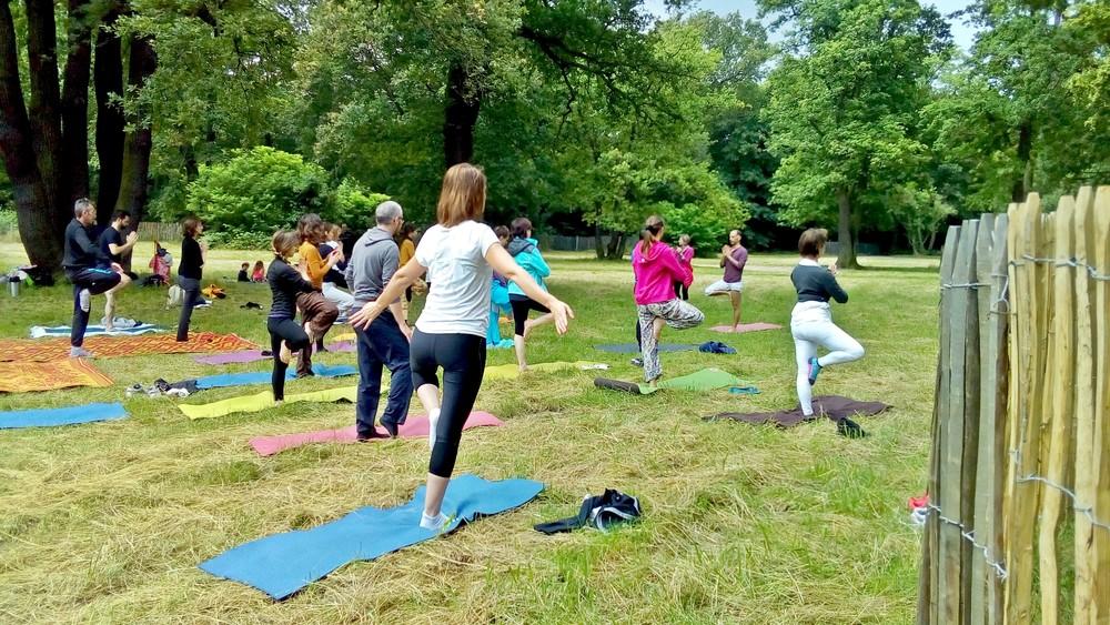 cours-gratuit-yoga-paris-deboutant.jpg