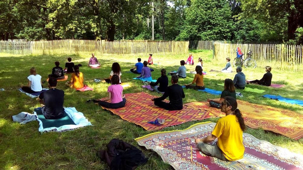 yoga-hatha-cours-gratuit.jpg
