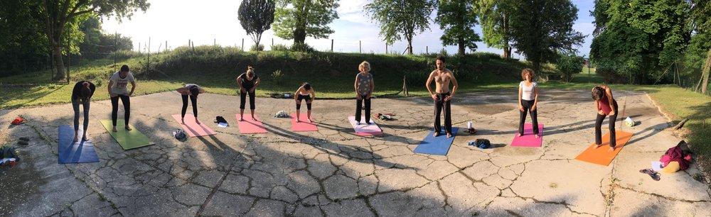 uddiyana-bandha-stage-yoga.jpg