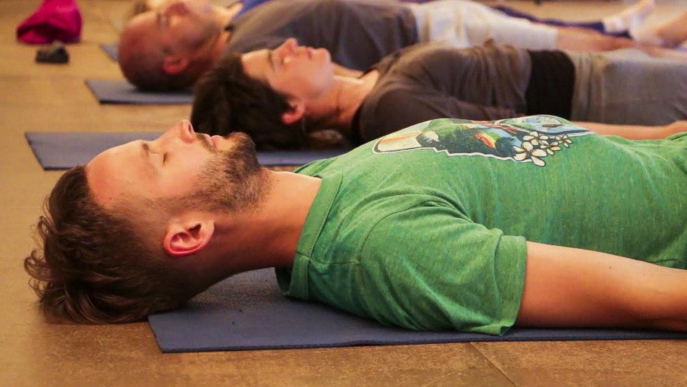 cours-yoga-cachemire-hatha-yoga-paris-11e.jpg