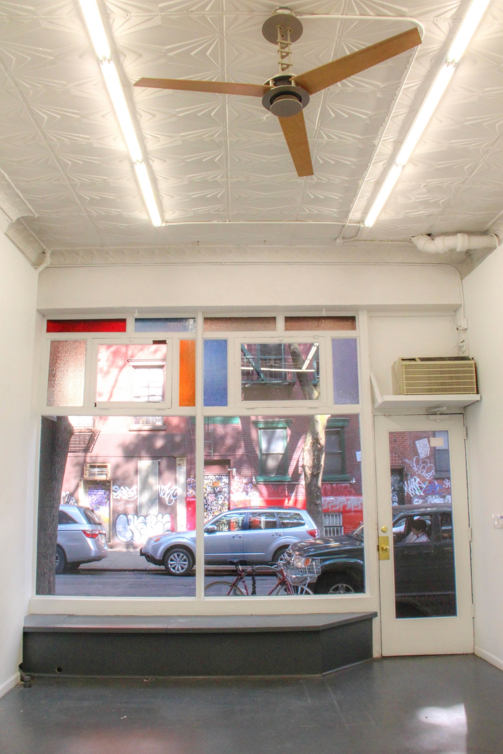 elizabeth st gallery retail nolita pop up