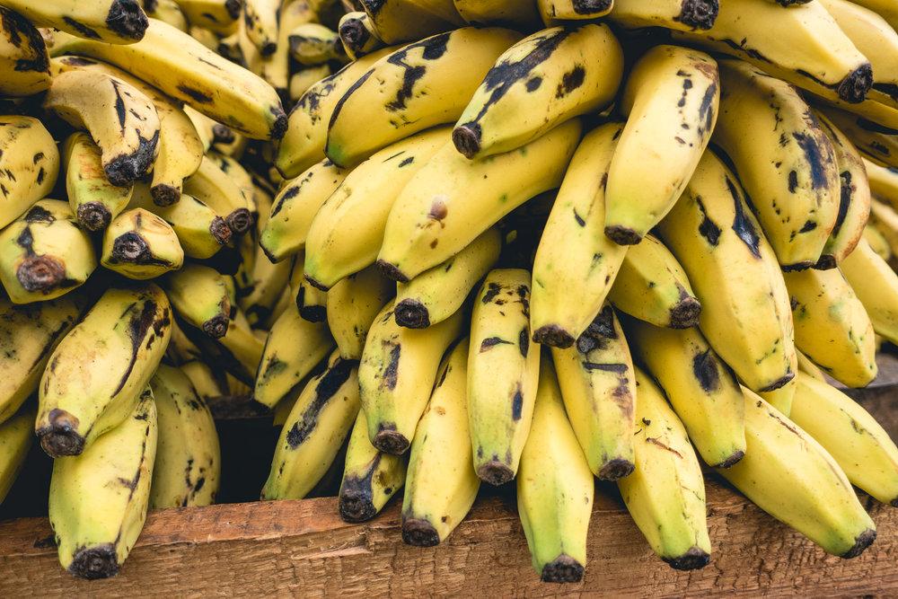 foodiesfeed.com_cuban-bananas-close-up.jpg