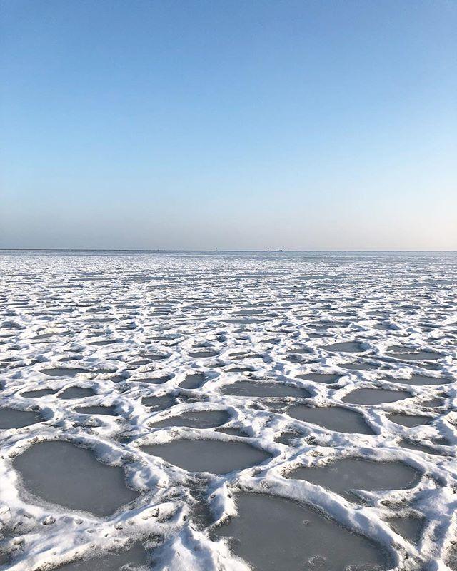 Lake Michigan #mychicagopix #winterinchicago #frozen