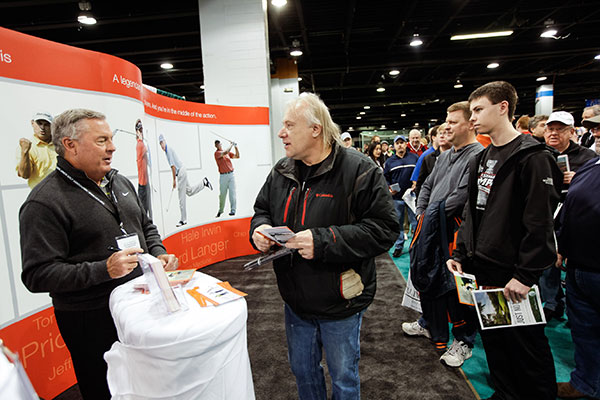 Fans meet Lanny Wadkins, PGA touring professional and World Golf Hall of Famer.