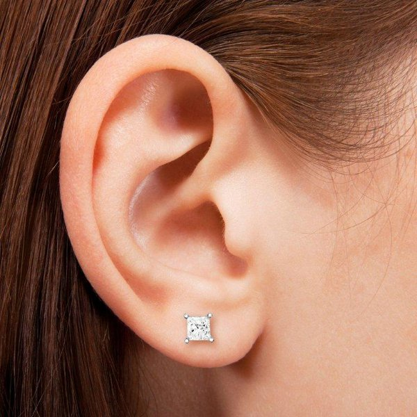 diamond_stud_earrings_4.jpg