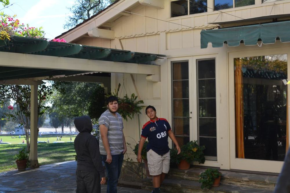 In Front of Will Rogers House.JPG