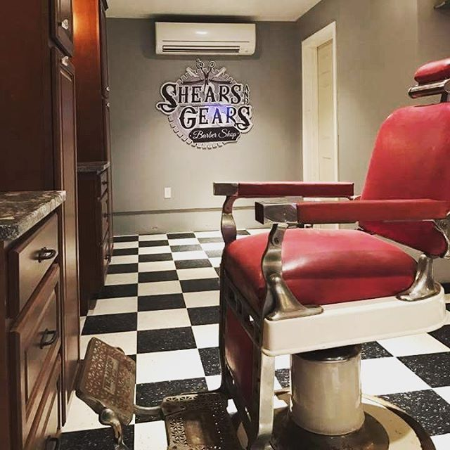 We linked up with the guys over at Shears & Gears! Located at 191 Rockingham Rd Derry NH. Go check them out! Get a cut, Get your beard trim, Scope out some product. Thanks friends 💈#beard #barba #barber #beardoil #barbershop #beardbros #beardcrew #beardenvy #beardgang #mensstyle #mensproduct #noshave #lifestyle #product #allnatural #style #groom #groomedbeard #mustache #killerbeard #killerbeardoil #dapper #beardlife #comb #combo #stache #shearsandgears