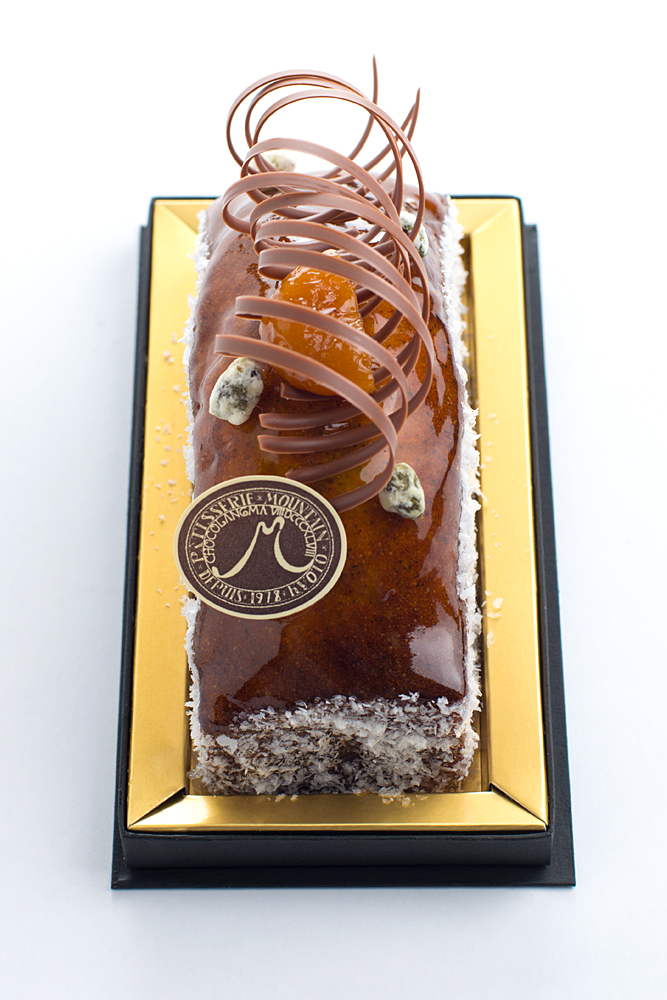 ケーク アプリコットティー 甘酸っぱいアプリコットと香り豊かなアールグレイの茶葉を使ったパウンドケーキ。
