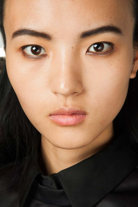 Narciso Rodriguez - Nude face, finely lined eyes