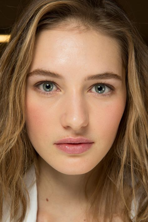 Michael Kors - A rosy glow on the cheeks and lips