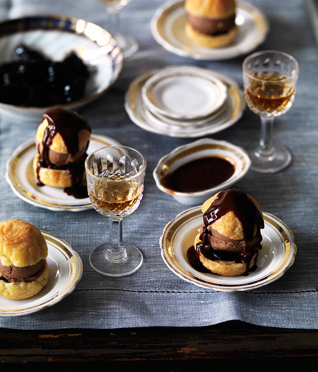 Choux Puffs with Chocolate Ice Cream