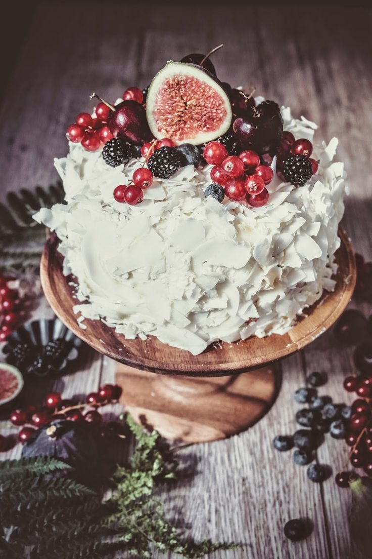 Coconut Sponge Cake with Fruit
