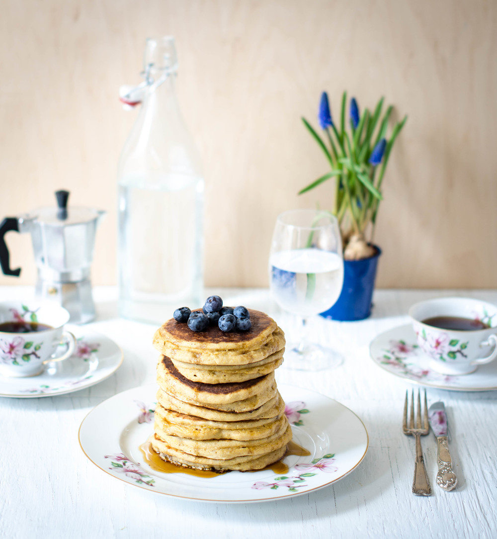 ROSE & IVY JOURNAL BLUEBERRY & CINNAMON POLENTA PANCAKES