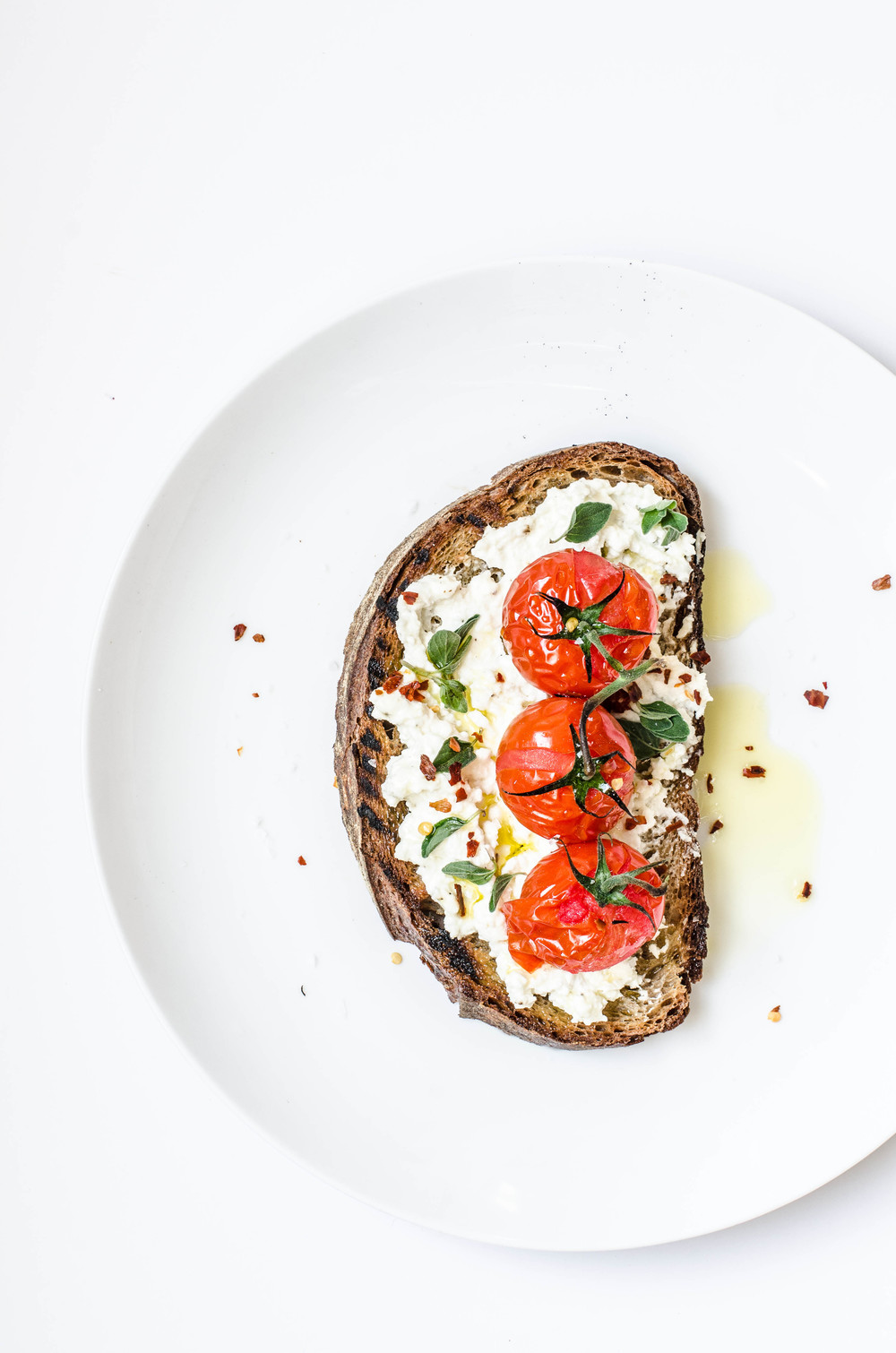 rose & ivy journal whipped ricotta and tomato crostini