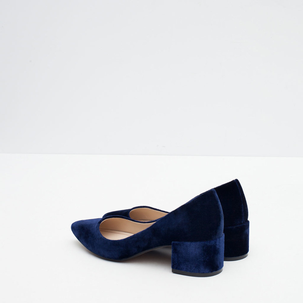 ROSE & IVY Journal Currently Loving Zara Blue Velvet Heels