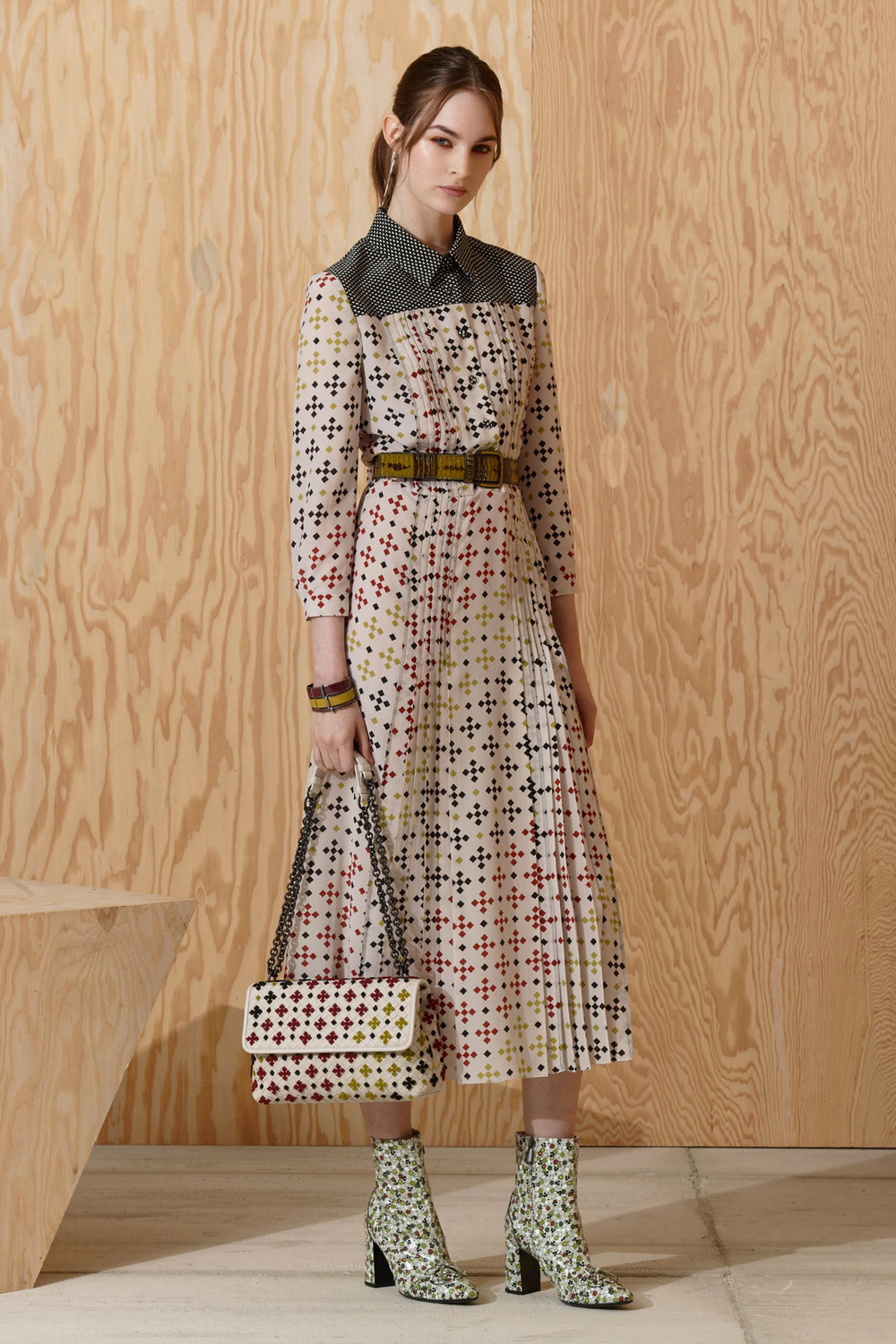 ROSE & IVY Journal Pre Fall 2016 Bottega Veneta