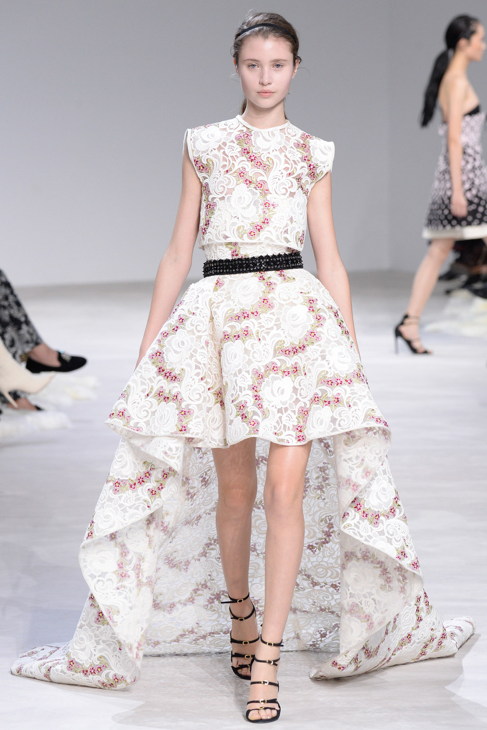 ROSE & IVY Journal Spring 2016 Couture Giambattista Valli