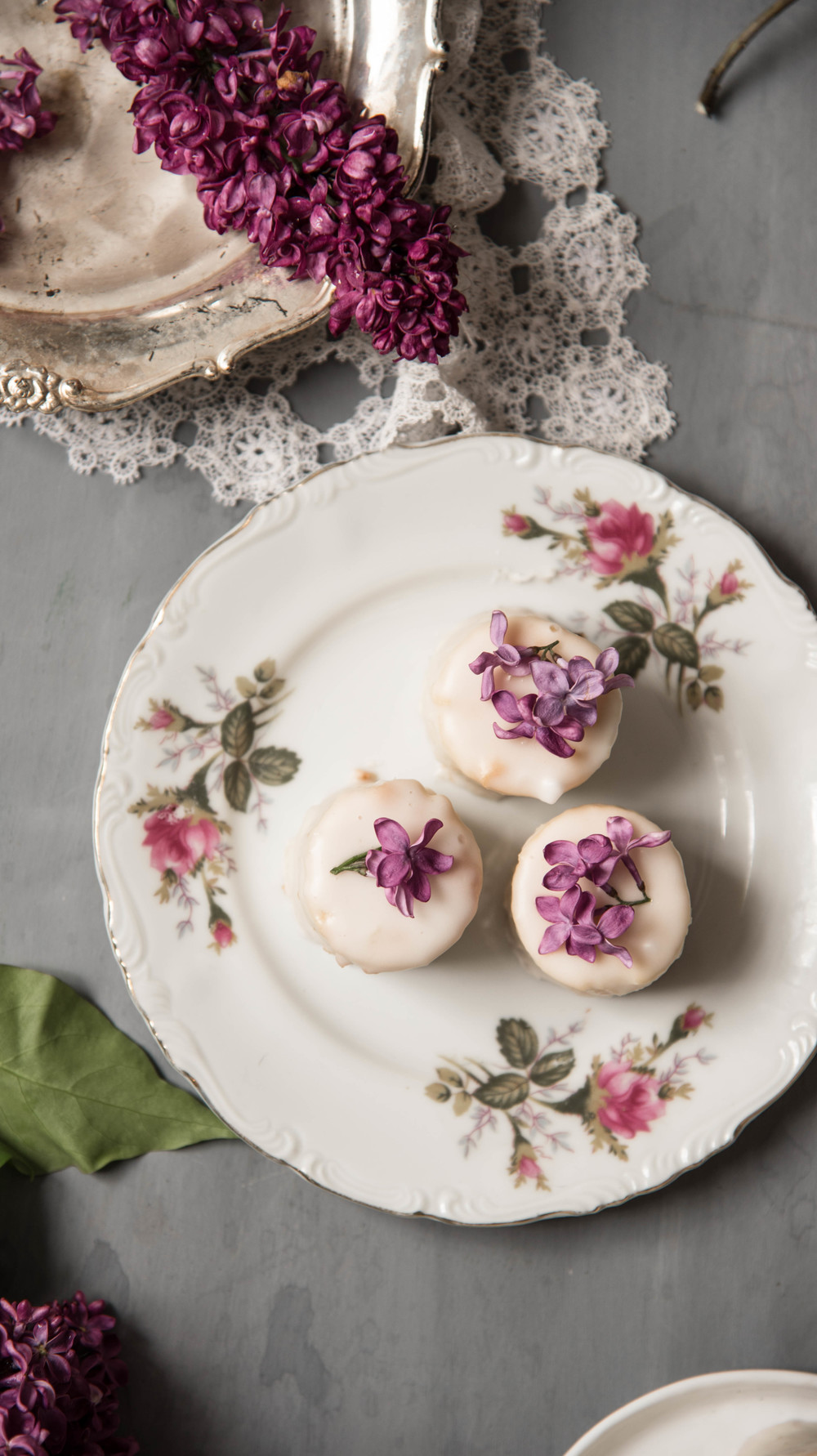 ROSE & IVY Journal Vanilla Petit Fours A Mother's Day Dessert Idea