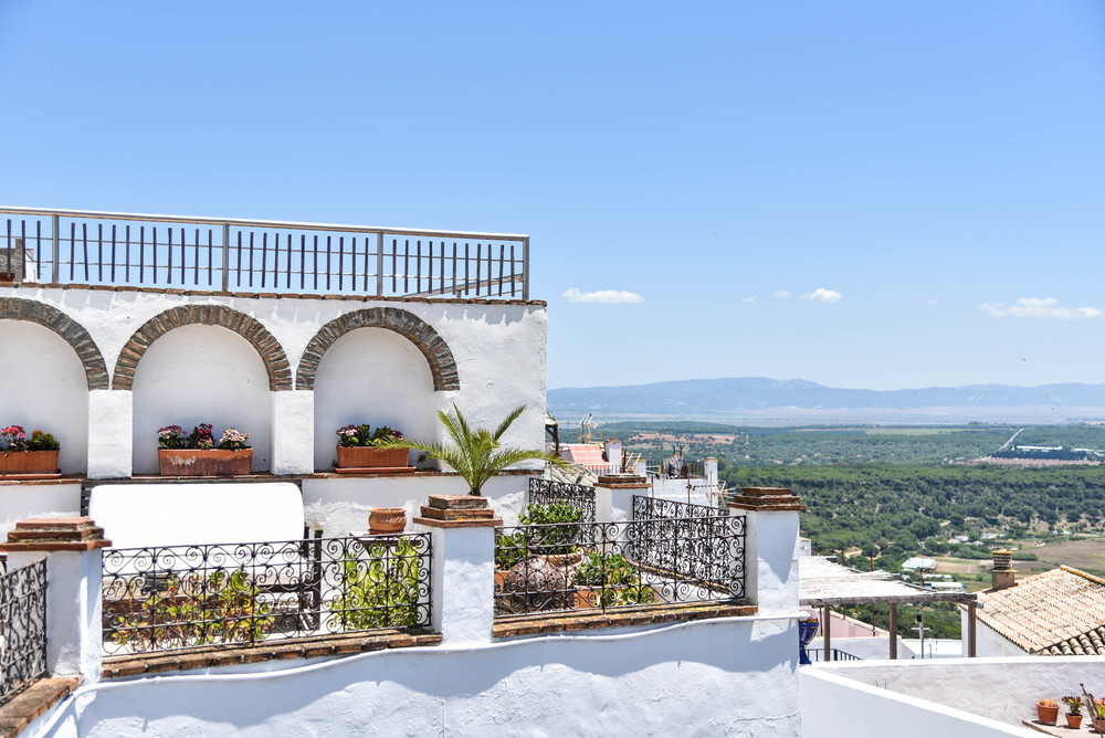 La Casa del Califa - A White-Washed Paradise in Southern Spain