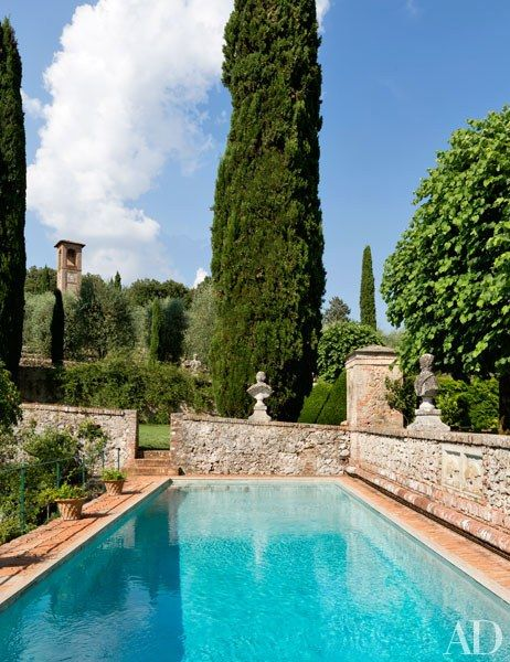 An Enchanting Tuscan Garden To Inspire Your Weekend