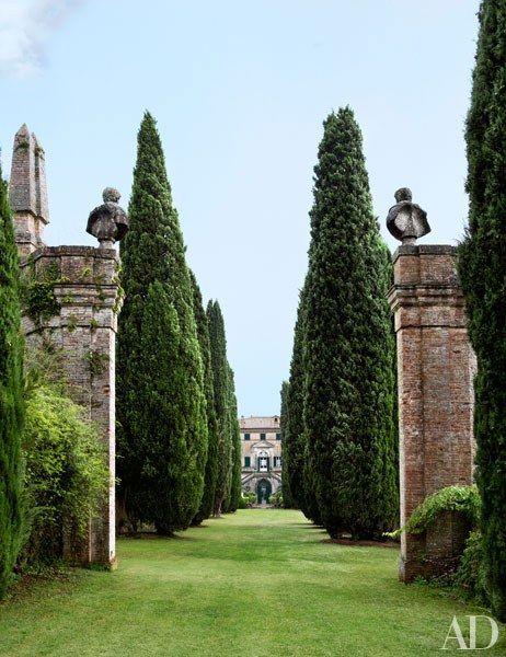 ROSE & IVY Journal An Enchanting Tuscan Garden