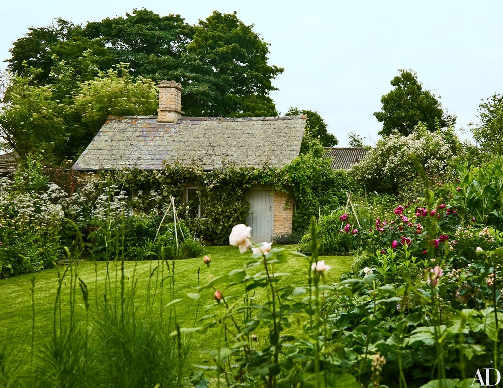 ROSE & IVY Journal Garden Dreamer Amanda Brook's Garden Oasis