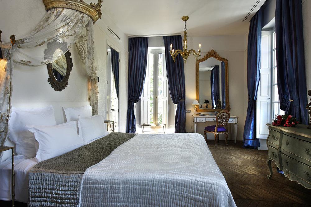 ROSE  & IVY Journal Escape Saint James Hotel Paris