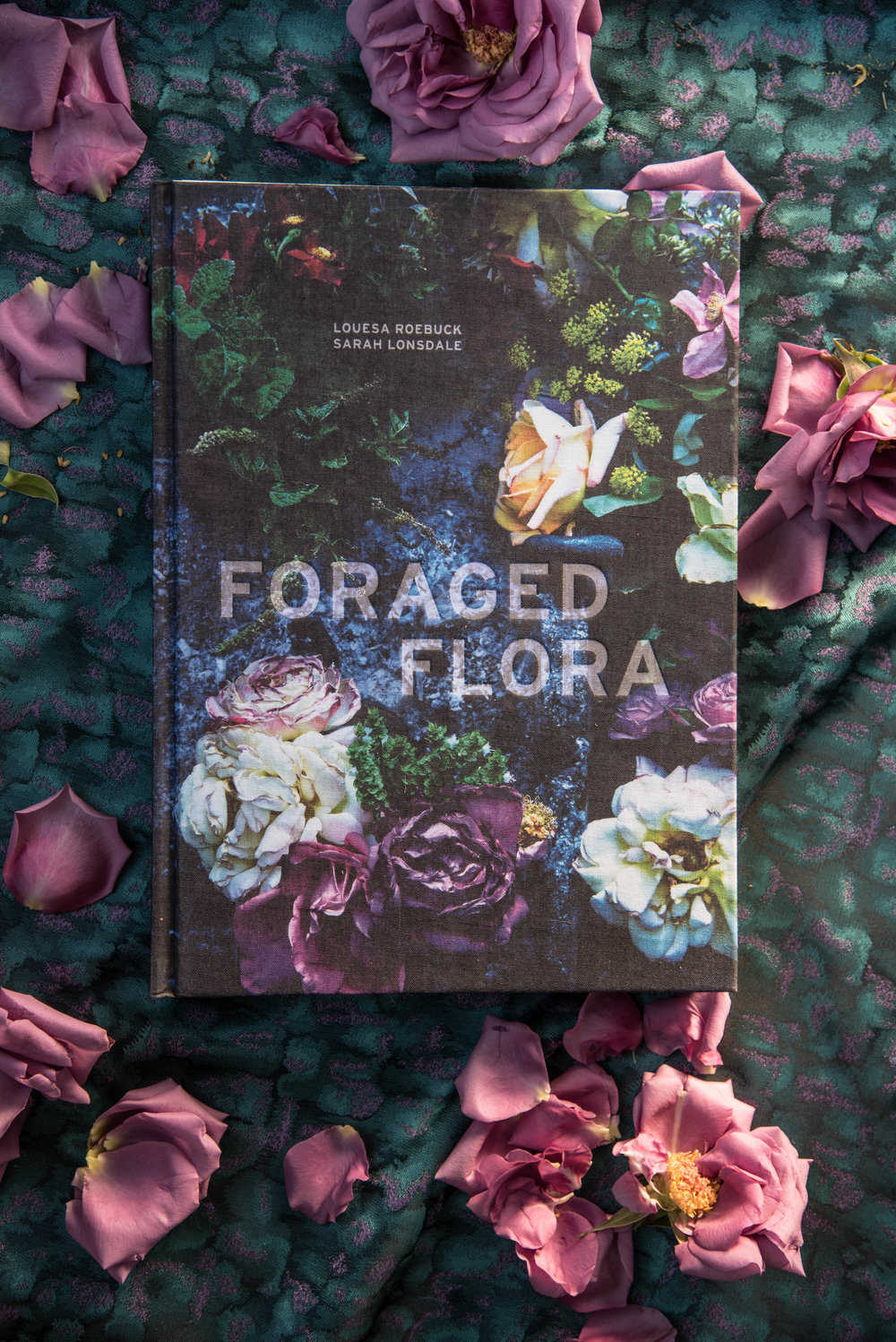 ROSE & IVY Journal Gift Guide 2016 The Mood Dark Florals FORAGED FLORA Book