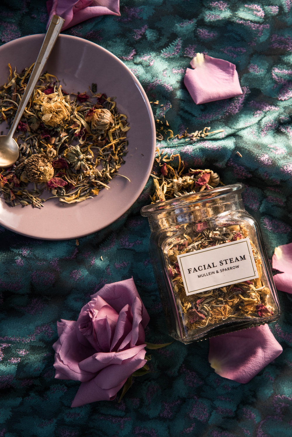 ROSE & IVY Journal Gift Guide The Mood Dark Florals Mullein & Sparrow Facial Steam