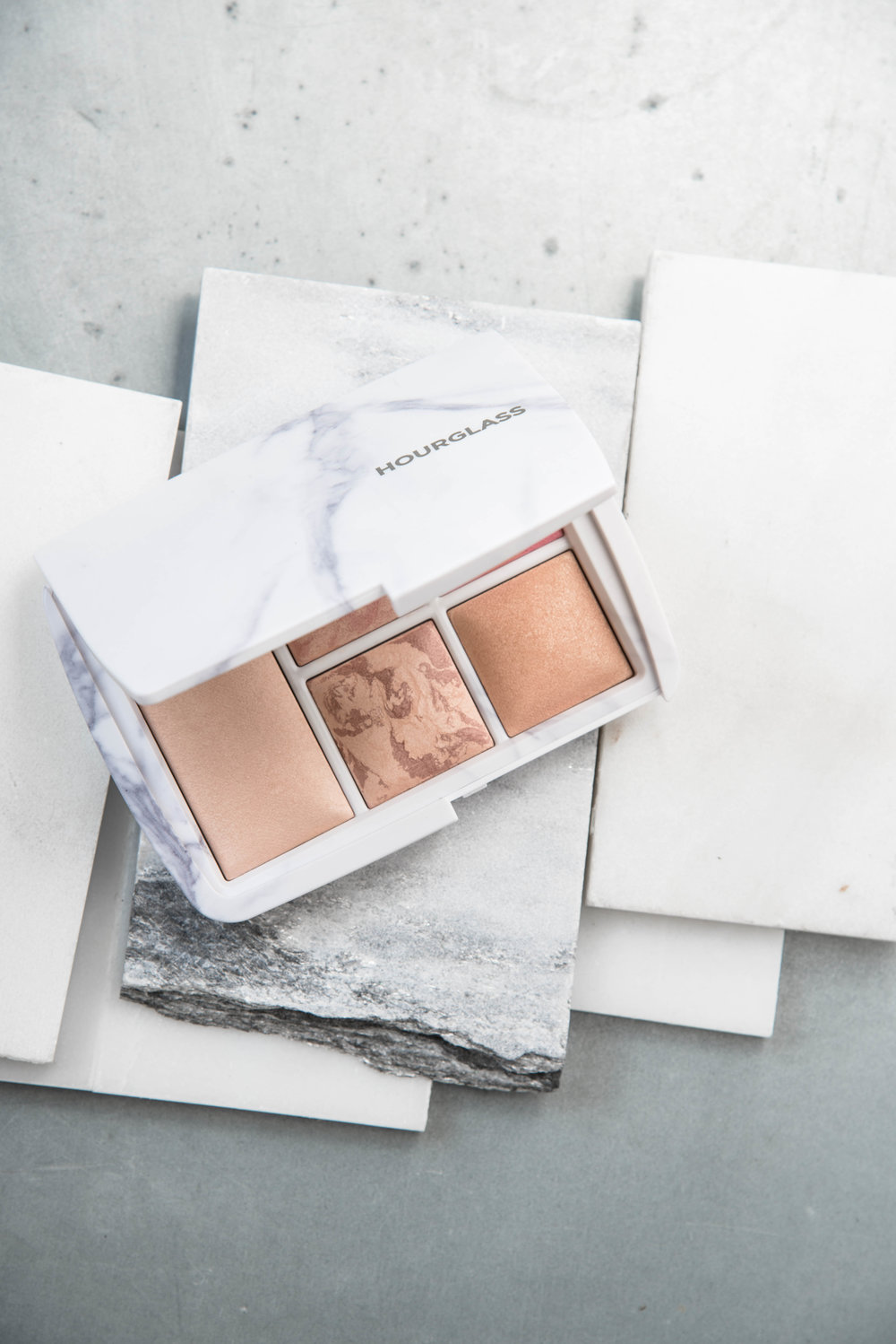 ROSE & IVY Journal Gift Guide Hourglass Ambient Light Marble Compact