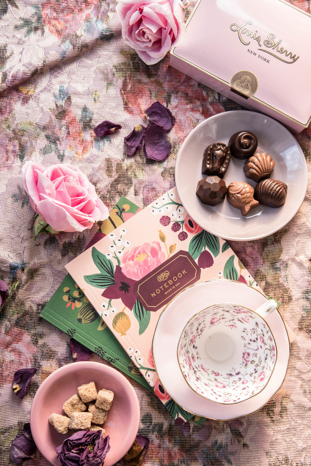 ROSE & IVY Journal Holiday Gift Guide Feminine Florals
