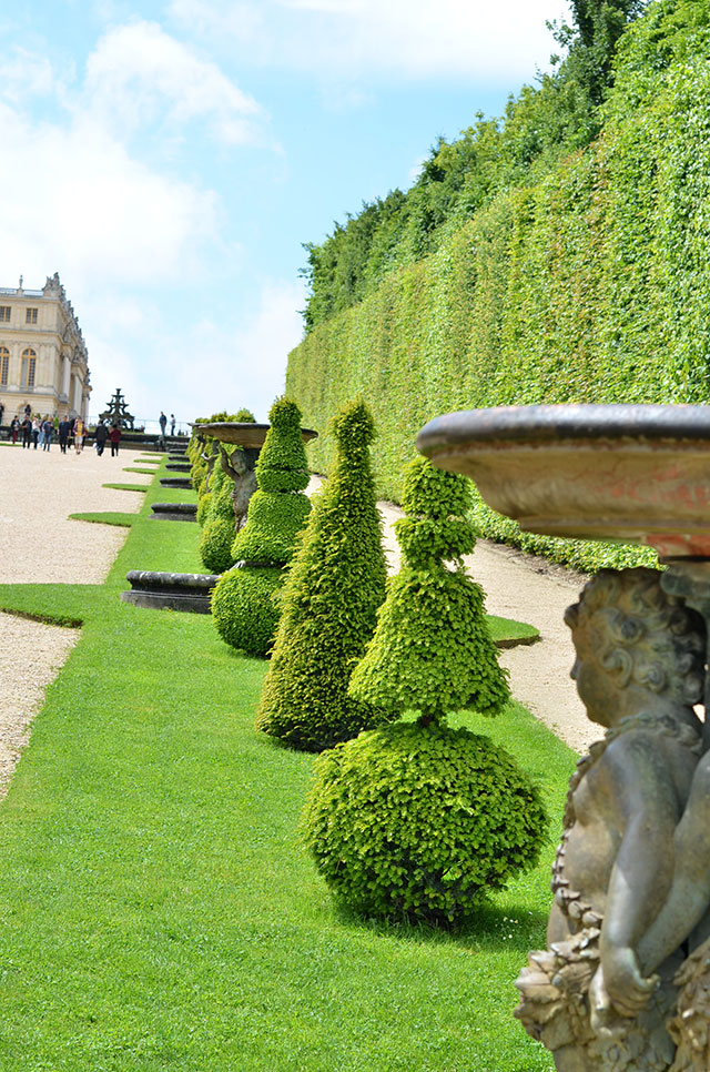 Heart-of-Gold-The-Grandeur-of-the-Gardens-of-Versailles-4.jpg