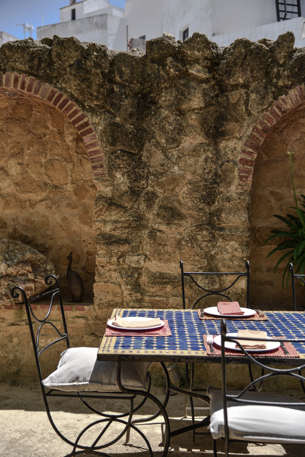 El Jardin Del Califa     where you can dine around a Roman wall from the 10th century