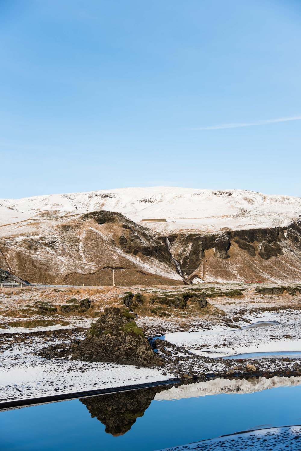 ROSE & IVY Journal Escape to Iceland | Fjaðrárgljúfur Canyon