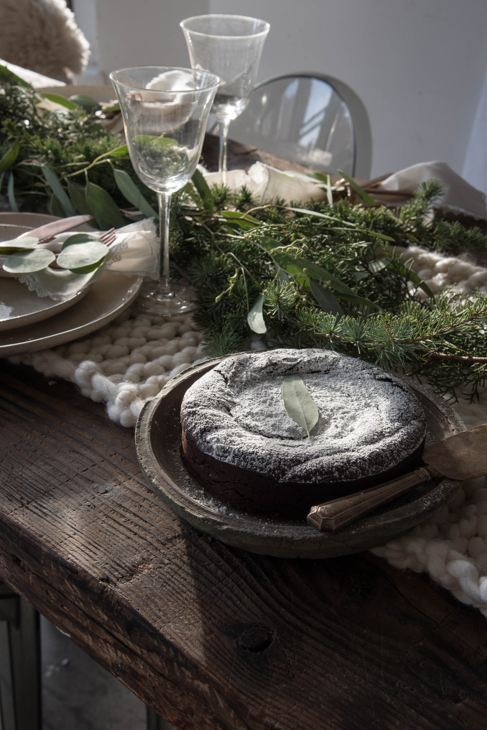 ROSE & IVY Journal Celebrate the Season | Chocolate Peppermint Flourless Cake