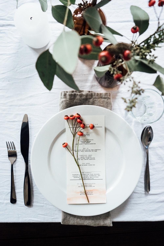 Festive Plates to Create Holiday Magic -