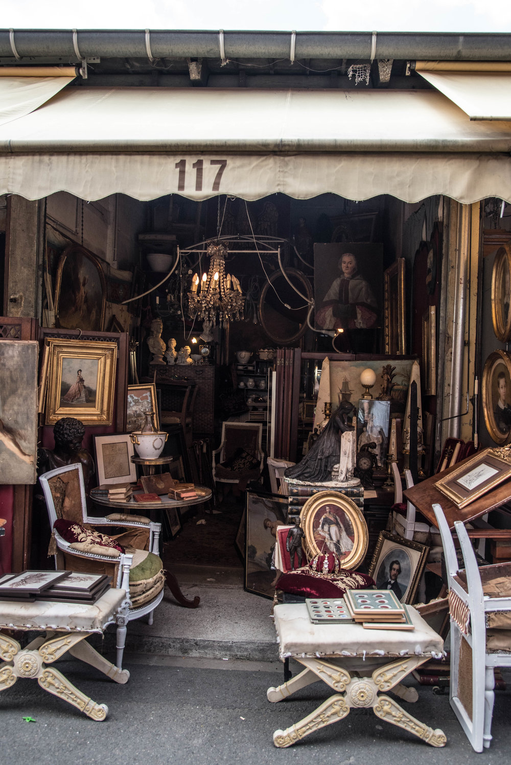 ROSE & IVY Journal | A Guide to Shopping the Paris Flea Market + Our Unique Finds