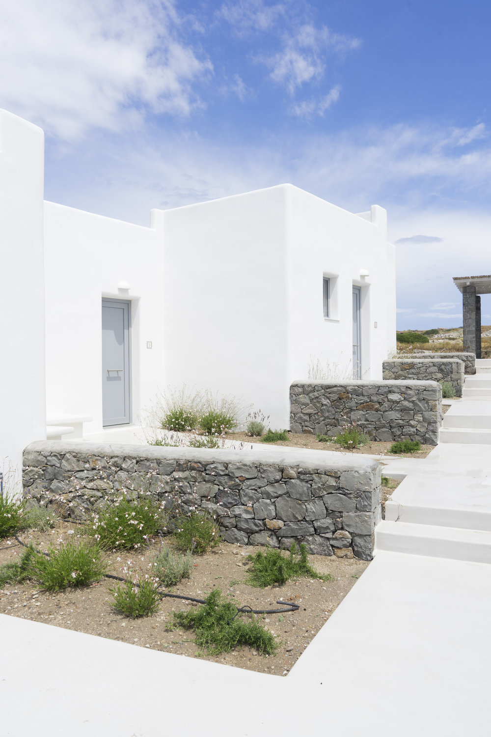 ROSE & IVY Journal Escape to Milos, Stay at Lithos Luxury Suites
