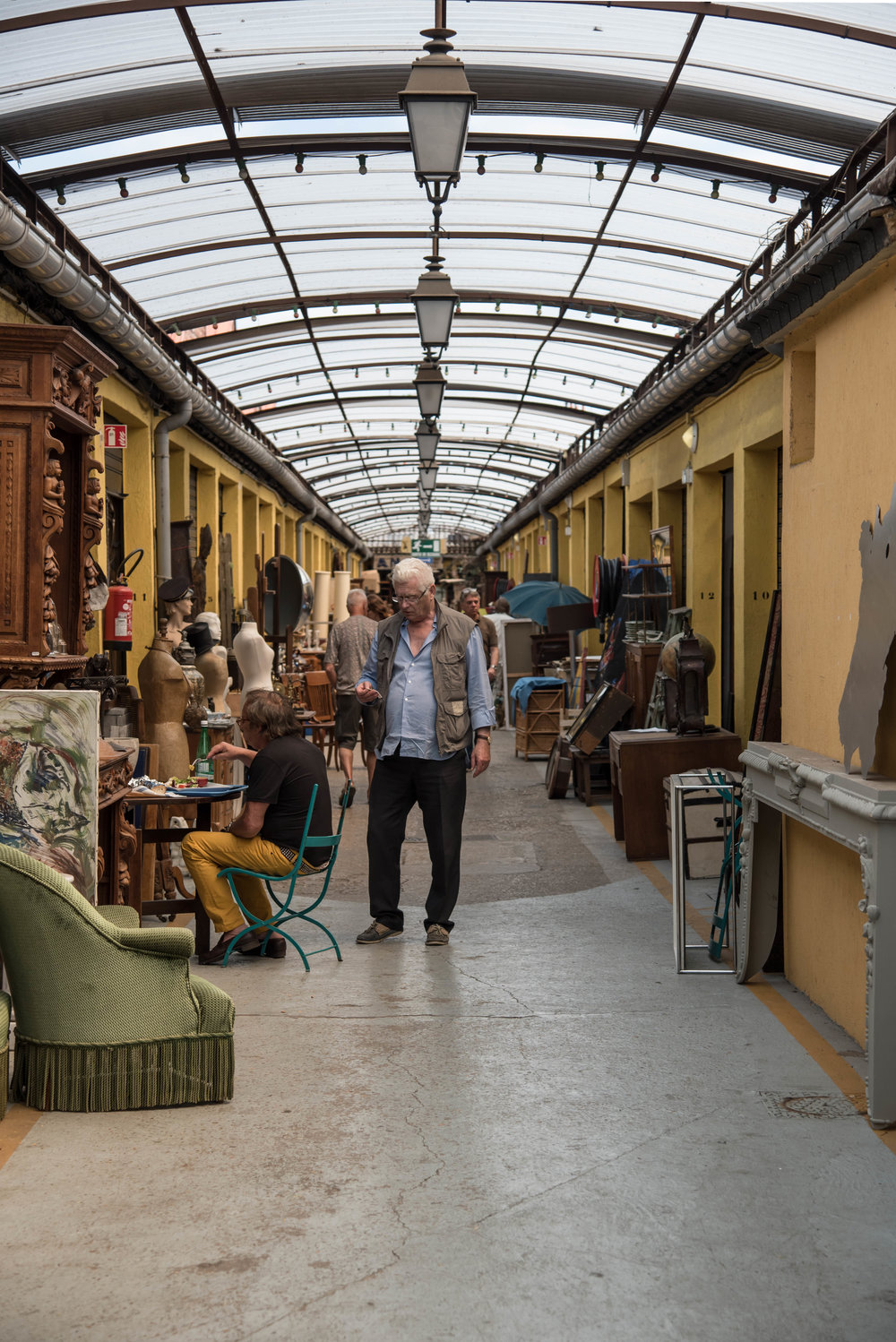 ROSE & IVY Journal A Guide to Flea Markets with  NICOLAS MARTIN, FOUNDER OF FLEA MARKET INSIDERS AND FLEAMAPKET
