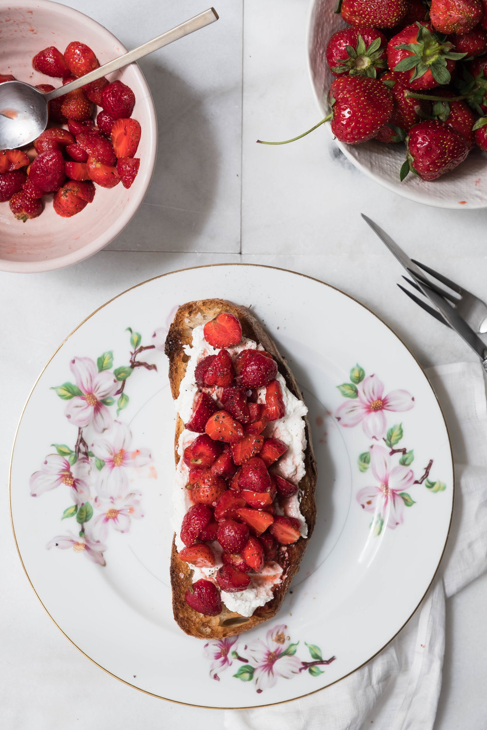 ROSE & IVY Journal Ricotta Toasts Two Ways | Sweet + Savory Strawberry Balsamic Toasts