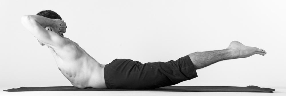 makarasana yoga steps hindi मकरासन करने का तरीका