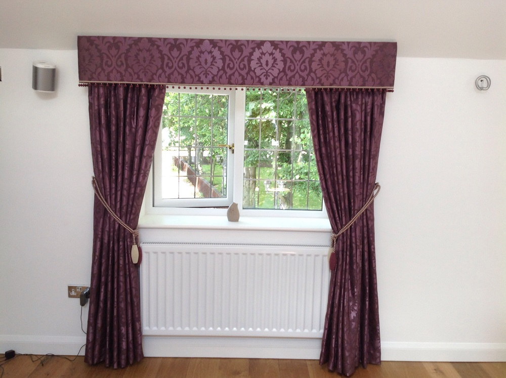 A modern Essex board Pelmet, draw curtains & co-ordinating rope tie backs