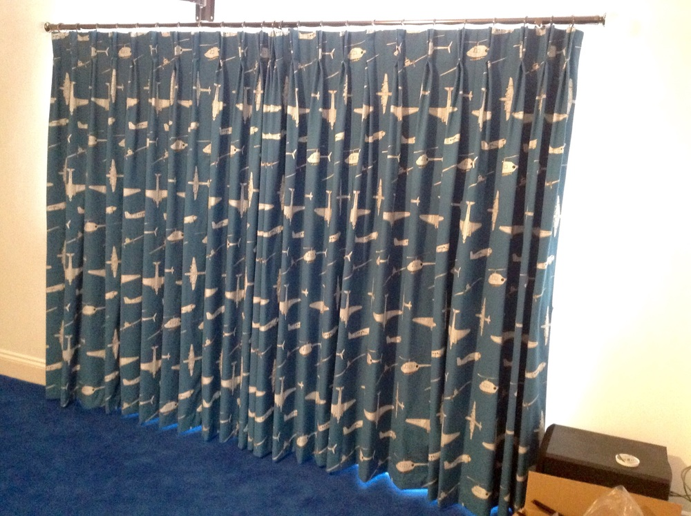 Closed, 1pair 3width blackout lining double pleat curtains