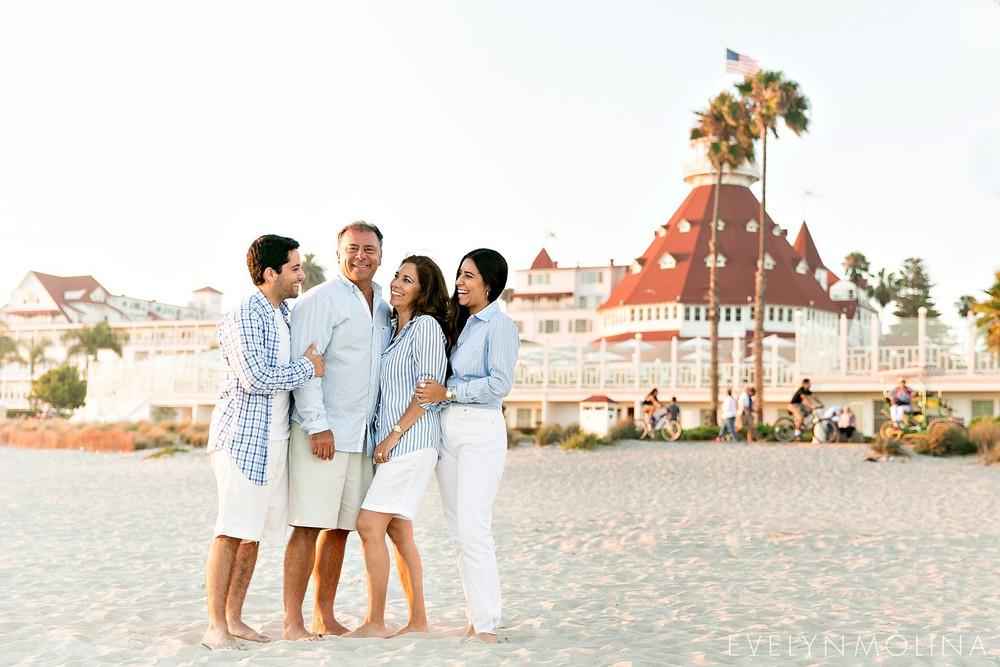 Coronado Family Portraits - Suzette Valle_0002.jpg